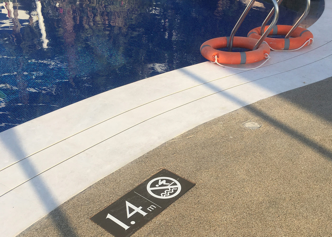What is the best paving for swimming pool decks making - The coolest swimming pool in the world ...